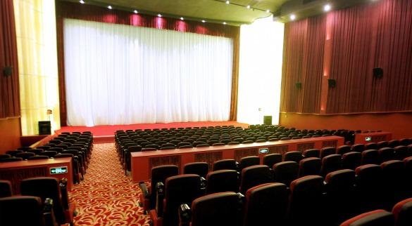 movietheaters Weekend Chatter: What Are Your Movie Related New Years Resolutions?