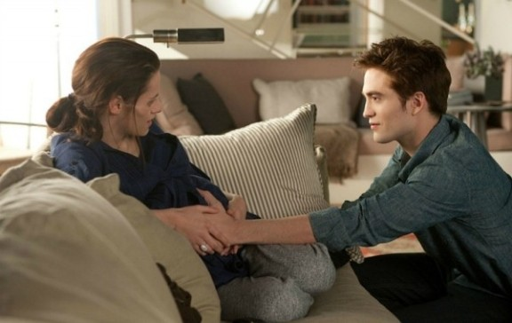 Edward hears renesmee The Twilight Saga: Breaking Dawn Coutndown: Iconic Twilight Saga Moments, Part 2