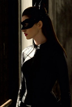 Dark knight rises anne hathaway as catwoman