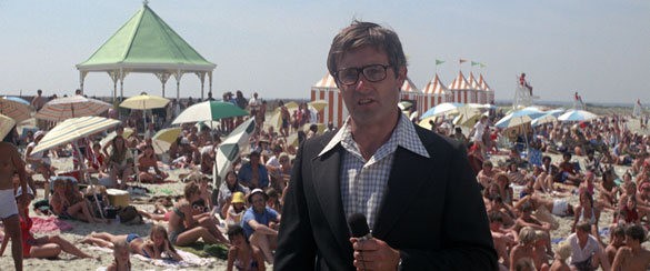 peter benchley in jaws 10 Things You Might Not Know About Jaws