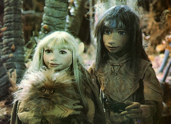 Watch a Cool, Freaky, Fan-Made Director's Cut of Jim Henson's 'The Dark Crystal'...
