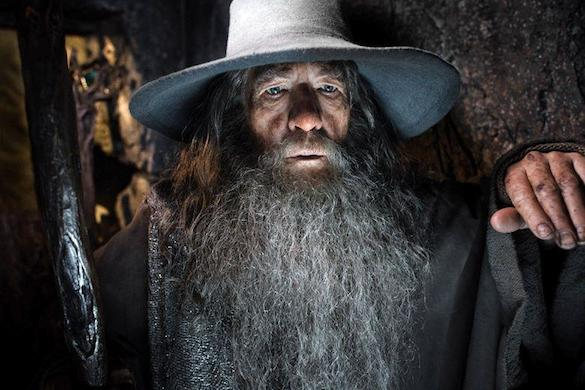 Watch What Happened When Ian McKellen Surprised 'Hobbit' Fans at a Midnight Screening of 'Desol...