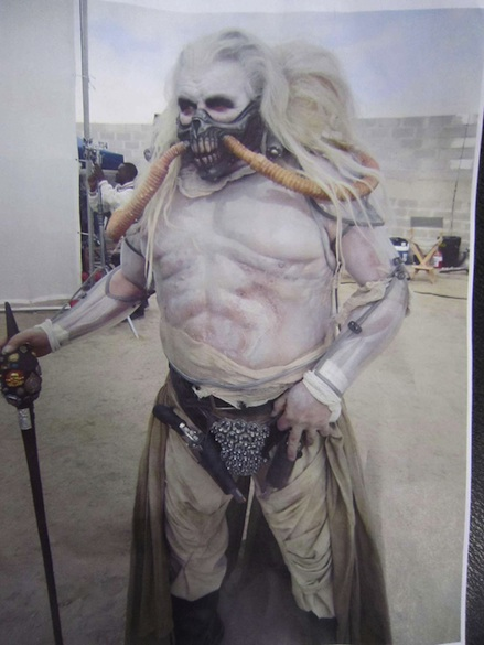 heres a new image of tom hardy as mad max in mad max
