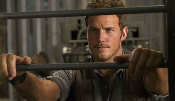 jurassic world pratt 140731 585 Movie News: Chris Pratt in Jurassic World Photo; Hemsworths The Huntsman Confirmed for 2016