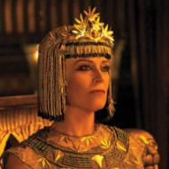 Movie News: Sigourney Weaver in New 'Exodus' Photo; Johnny Depp and Daughter to Star in Kevin Smith's 'Yoga Hosers'