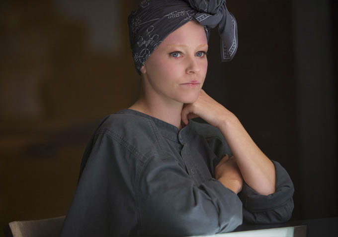 Effie in in The Hunger Games: Mockingjay - Part 1
