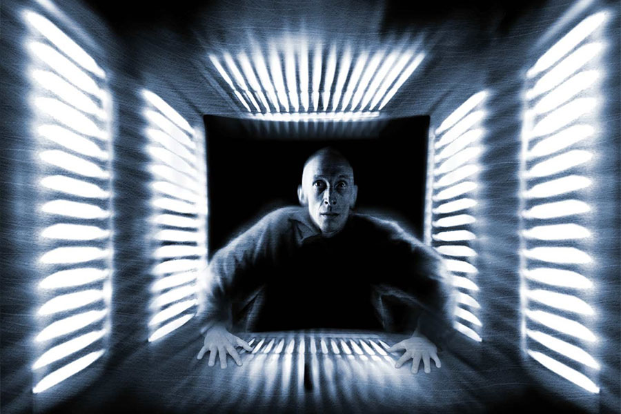A 'Cube' Remake Is In The Works With 'Prometheus' and 'Doctor Strange' Writer...