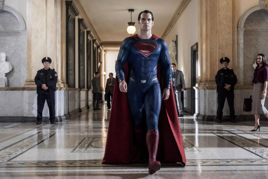 See Batman Get the Upper Hand (or Boot) on Superman in New 'Batman v Superman' Images