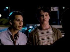 21 And Over: Best Buds (Featurette)