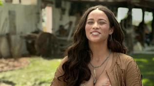 2 Guns: Geting To Know Deb (Featurette)