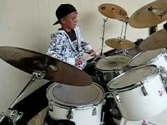 Justin Bieber Never Say Never: Drums Featurette