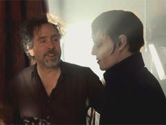 Exclusive: Dark Shadows - Johnny and Tim Featurette