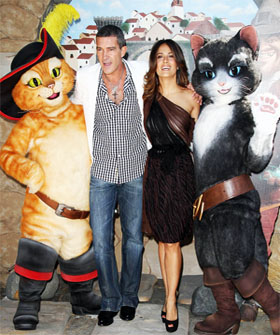 clmain280 Cine Latino: Exclusive Interview with Antonio Banderas and Salma Hayek  Who's the Luck Charm in This Relationship?