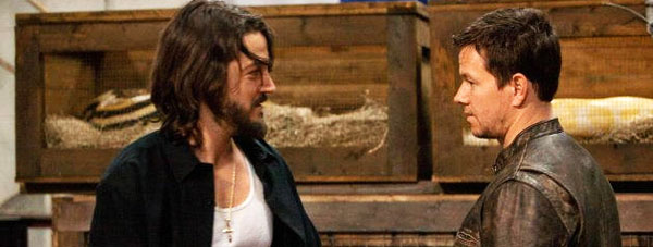 diegolunacontrabandl Cine Latino: Diego Luna Gets Deadly in Contraband; Eva Longoria Wants to Meet You; Cuban Actress Maria Conchita Alonso Calls Sean Penn a Communist A**hole