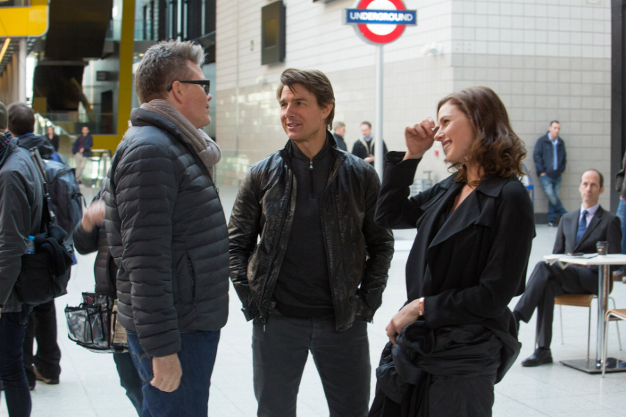 News Briefs: See Tom Cruise, Henry Cavill in Paris for 'MI6'
