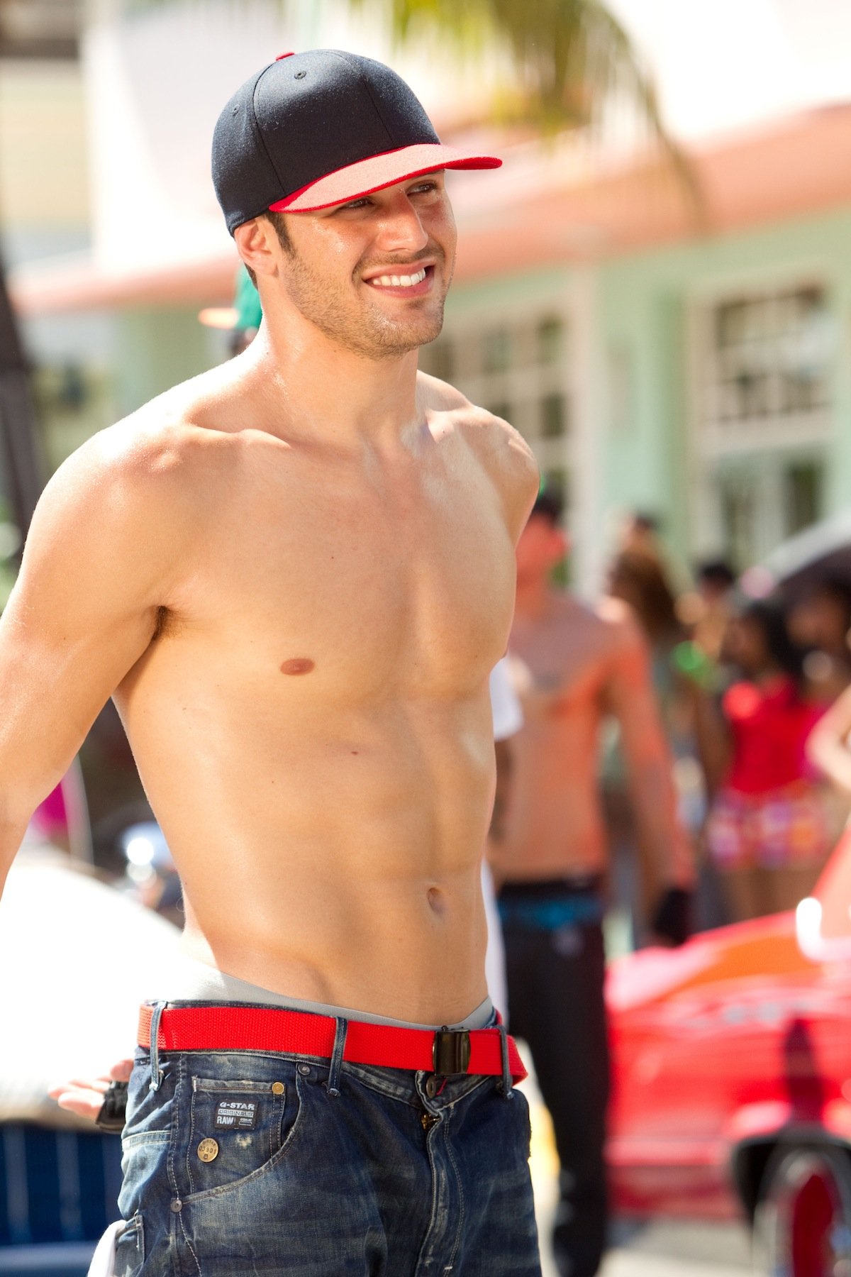 39 step up revolution 39 star ryan guzman and his abs. Black Bedroom Furniture Sets. Home Design Ideas