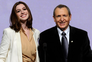 Anne Hathaway and Tom Sherak announce the Academy Award nominees.
