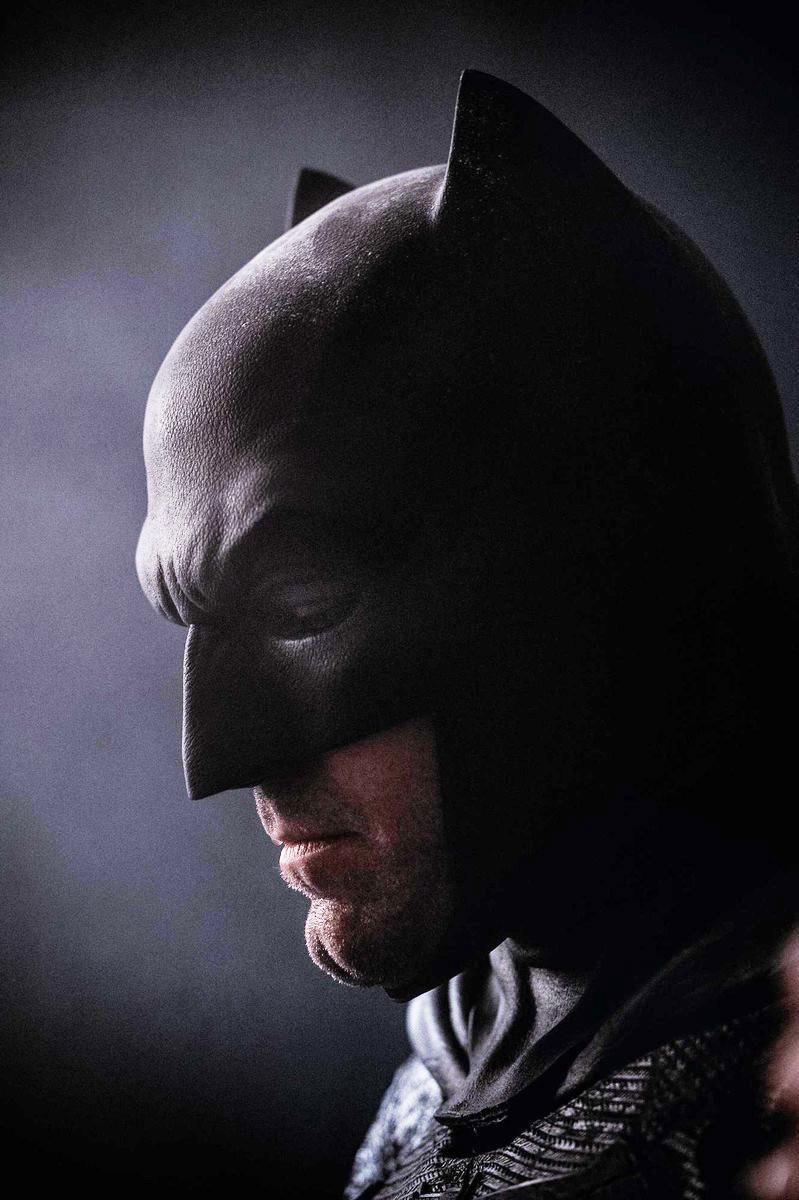 affleckbatmannew The Best of Comic Con: Batman, The Rock, Interstellar and More