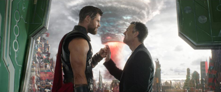 Thor: Ragnarok Thor Bruce Banner Chris Hemsworth Mark Ruffalo