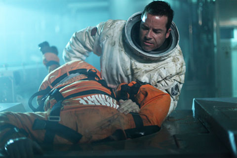 Cool Contest of the Day: Guy Pearce's Spacesuit Costume ...