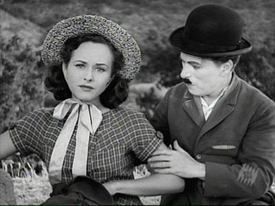Paulette Goddard and Charlie Chaplin in 'Modern Times'