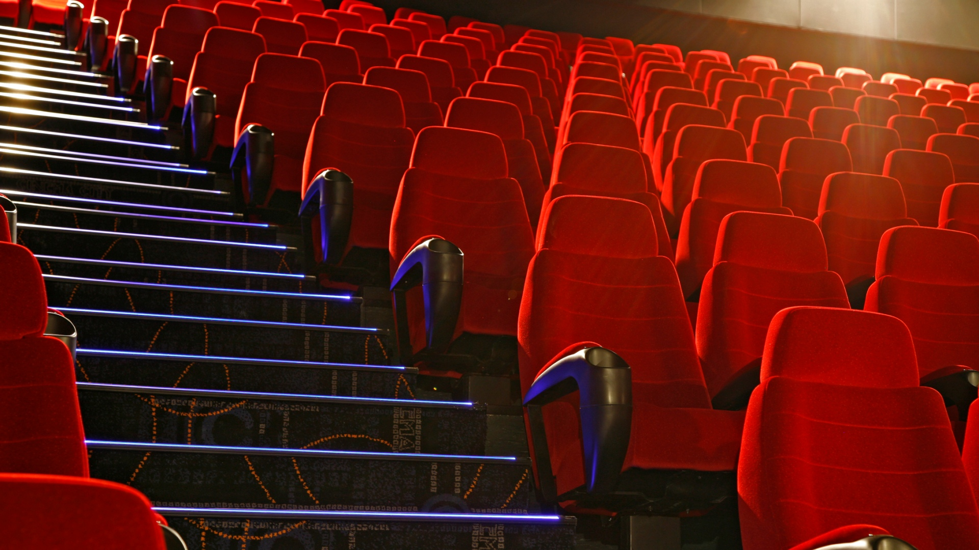 Enter a new galaxy of entertainment just steps from Casino Fandango. Galaxy Theatres features a wide selection of the latest movies on 10 HD screens. Enjoy stadium seating, DLP digital projectors, Real-D 3-D, digital audio, and D-Box motion activated seats.