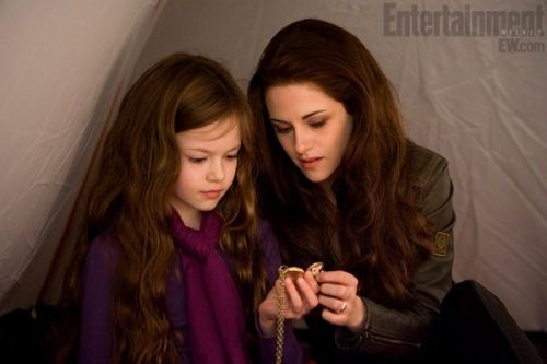 Morning Must-Read: A New 'Twilight' Image, A Different