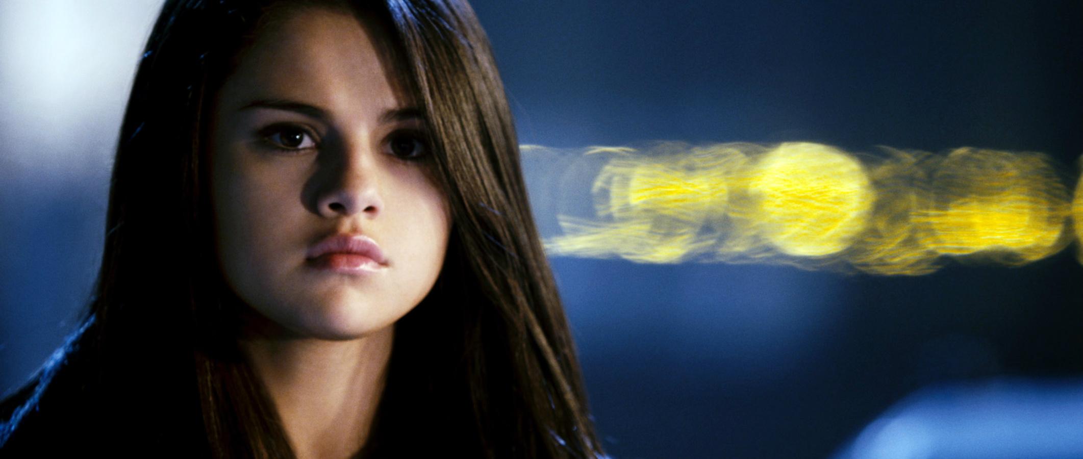 Resident Evil Final Chapter To Be Filmed On Gold Coast: Movie News: Selena Gomez Joins Robert Downey, Jr.'s