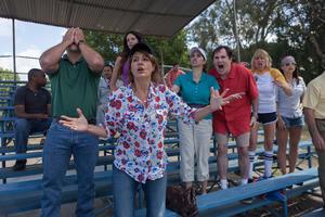 "Nia Vardalos, Jami Gertz, Richard Kind, Kerri Kenney-Silver and Gina Gershon in ""Dealin' With Idiots."""