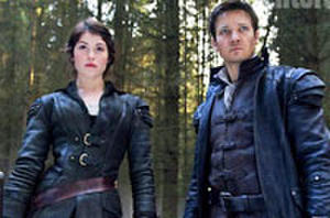 Trailer: Jeremy Renner, Gemma Arterton Hunt Down Witches in 'Hansel and Gretel'