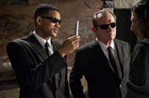 Barry Sonnenfeld Says Ending of 'Men in Black 3' Leaves Room for Franchise Reboot