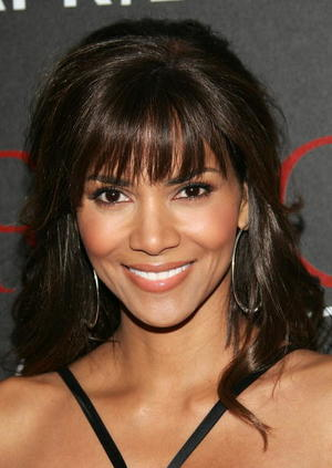 """""""Perfect Stranger"""" star Halle Berry at the N.Y. premiere."""