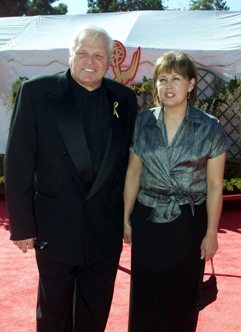 Brian Dennehy and his wife at the 52nd Annual Primetime Emmy Awards 2000.