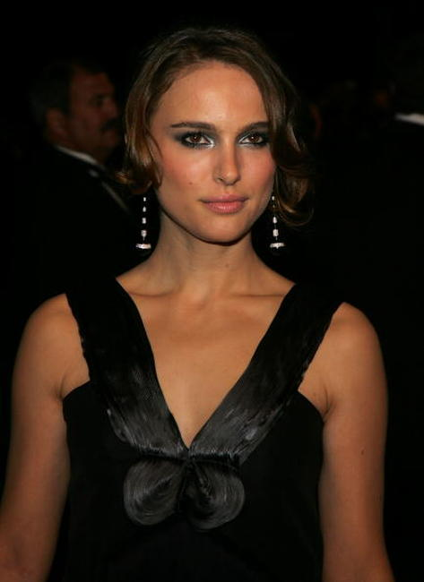 Natalie Portman at the 2007 Vanity Fair Oscar Party at Mortons in West Hollywood.