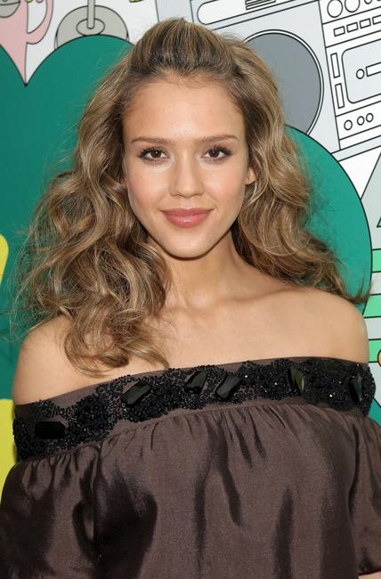 Jessica Alba at the MTV's Mi Total Request Live.
