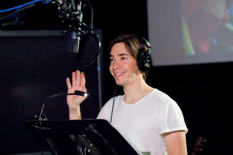 Justin Long on the set of