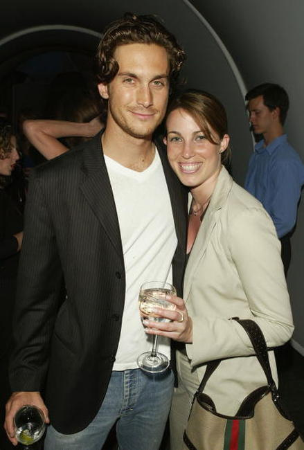 Jessica Pare and Oliver Hudson at the WB Upfront All-Star Party.