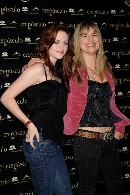 Kristen Stewart and Director Catherine Hardwicke at the photocall of