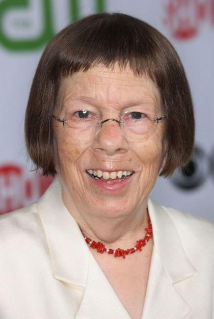 Linda Hunt at the CBS, CW, CBS Television Studio and Showtime TCA party.