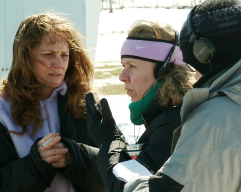 Melissa Leo and Director Courtney Hunt on the set of