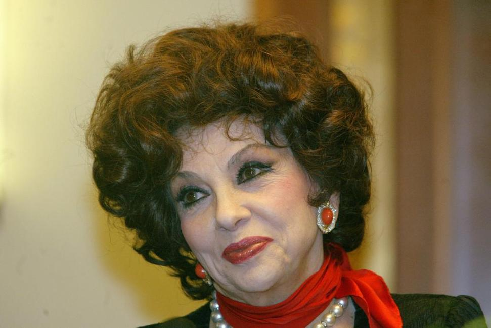Gina Lollobrigida at the press conference during which she spoke about her carrier in Budapest.