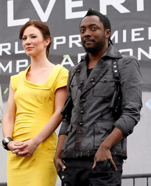 Lynn Collins and will.i.am at the premiere of