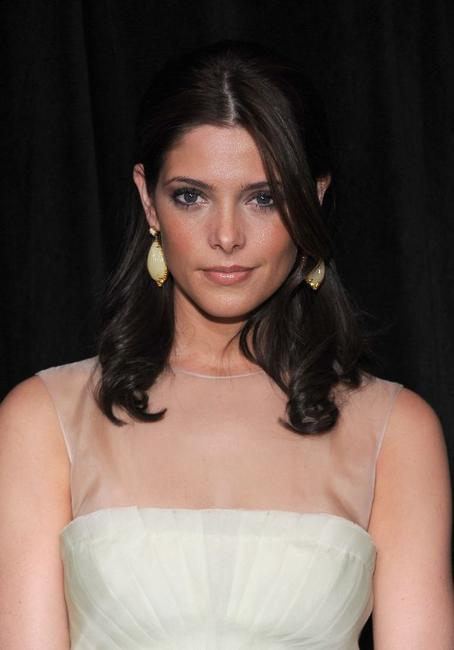 Ashley Greene at the DIC/InStyle's 9th Annual Awards Season Diamond Fashion Show Preview.