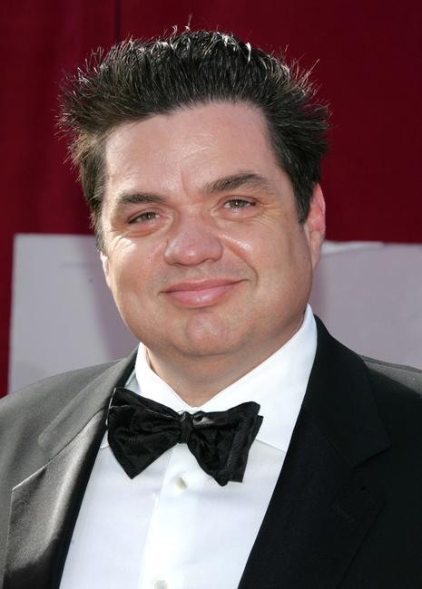 Oliver Platt at the 57th Annual Emmy Awards.
