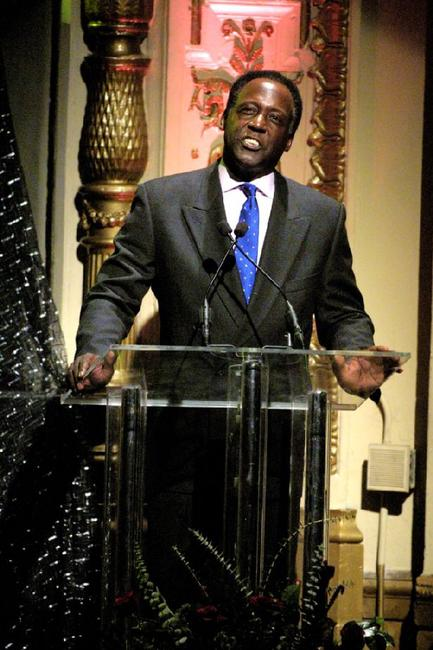 Richard Roundtree at the Rhythm & Blues Foundation's 12th annual Pioneer Awards.