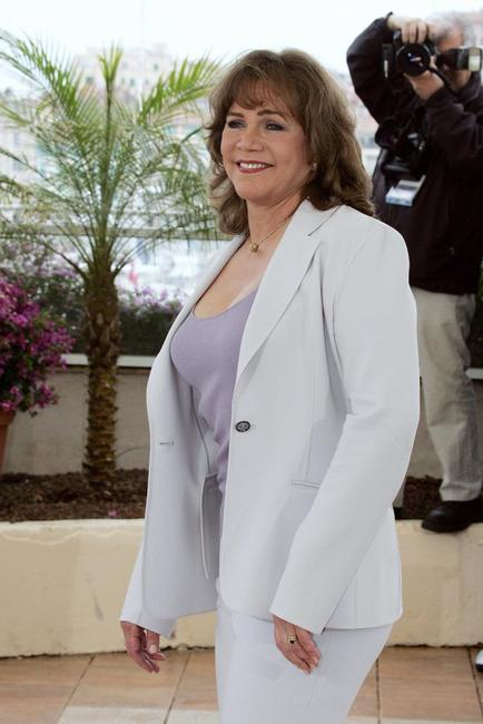 Kathleen Turner at the Cannes film festival photocall of