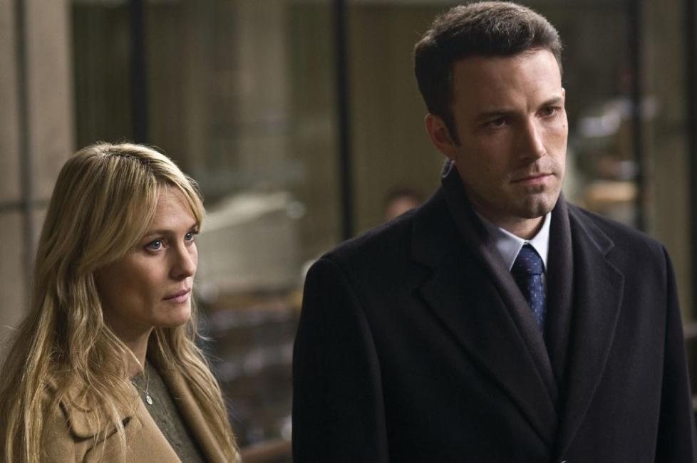 Robin Wright Penn as Anne Collins and Ben Affleck as Stephen Collins in
