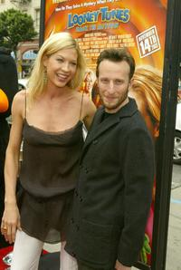 Jenna Elfman and Bodhi Elfman at the premiere of