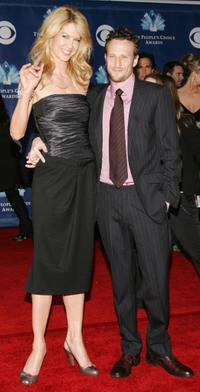Jenna Elfman and Bodhi Elfman at the 32nd Annual People's Choice Awards.