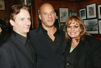 Linus Roache, Vin Diesel and director Penny Marshall at the premiere of